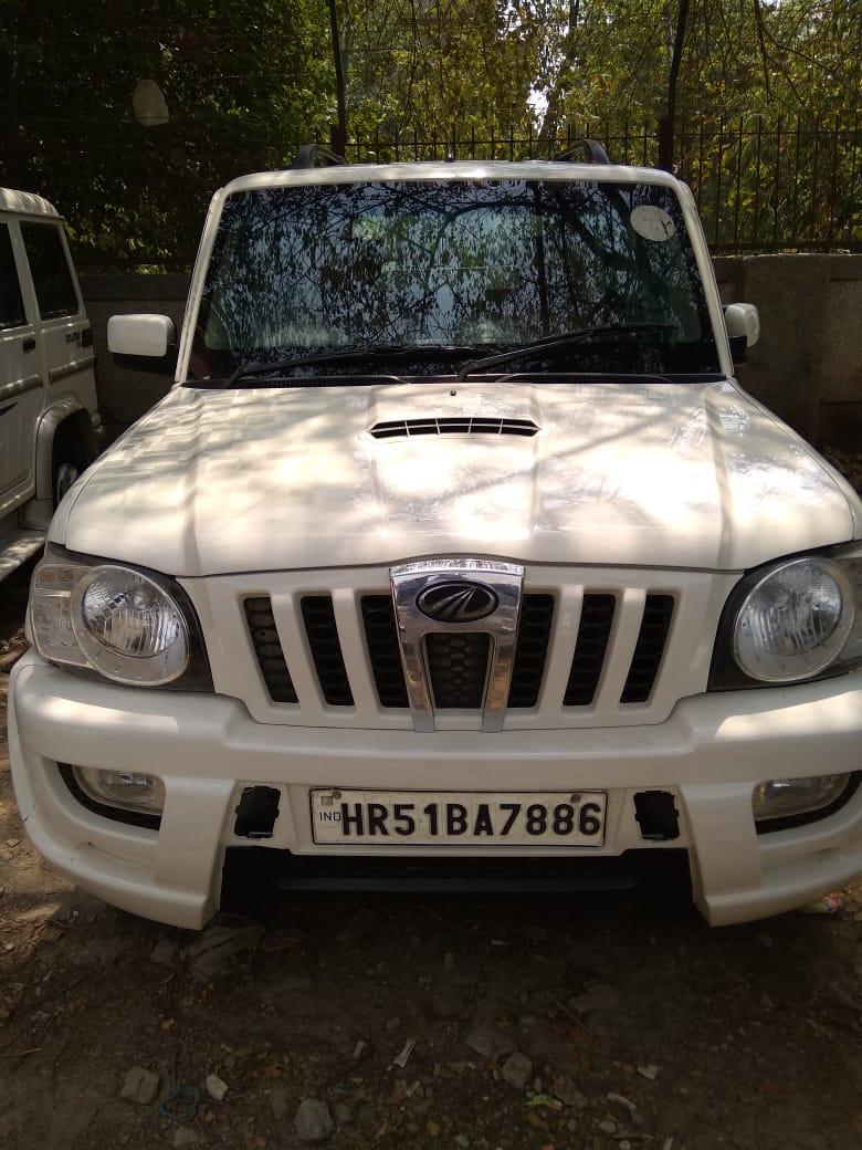 Secondhand Scorpio-SLE car in Dwarka and Uttam Nagar
