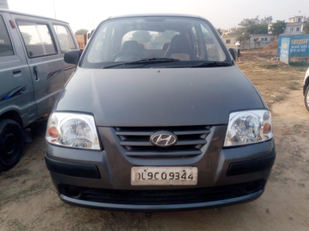 Used Santro-GLS-CNG Hyundai in Delhi