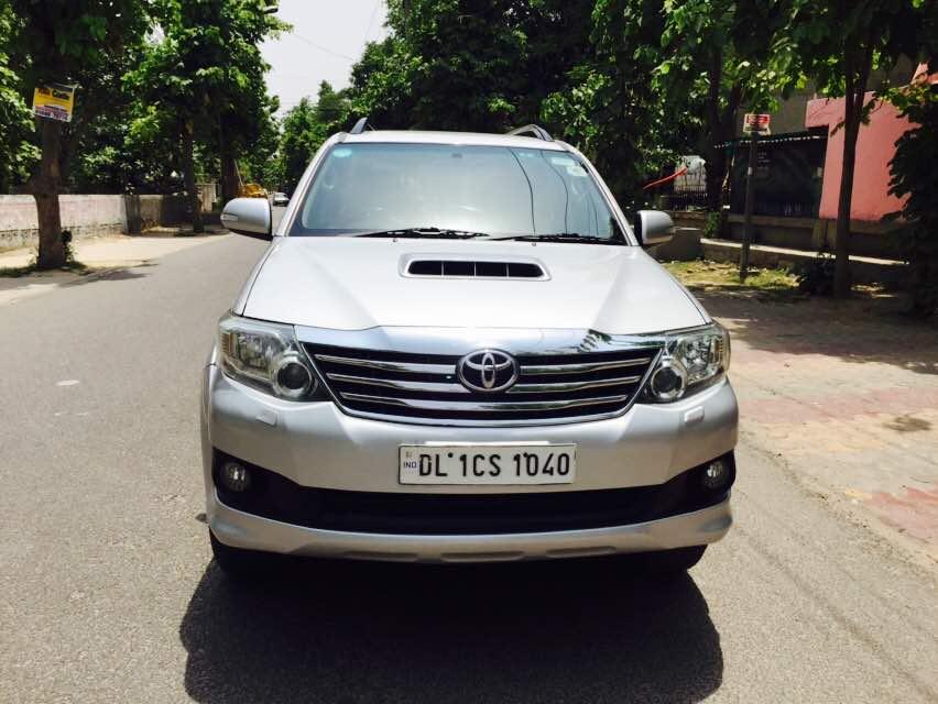 Secondhand Fortune 4x2 A/T car in Dwarka and Uttam Nagar