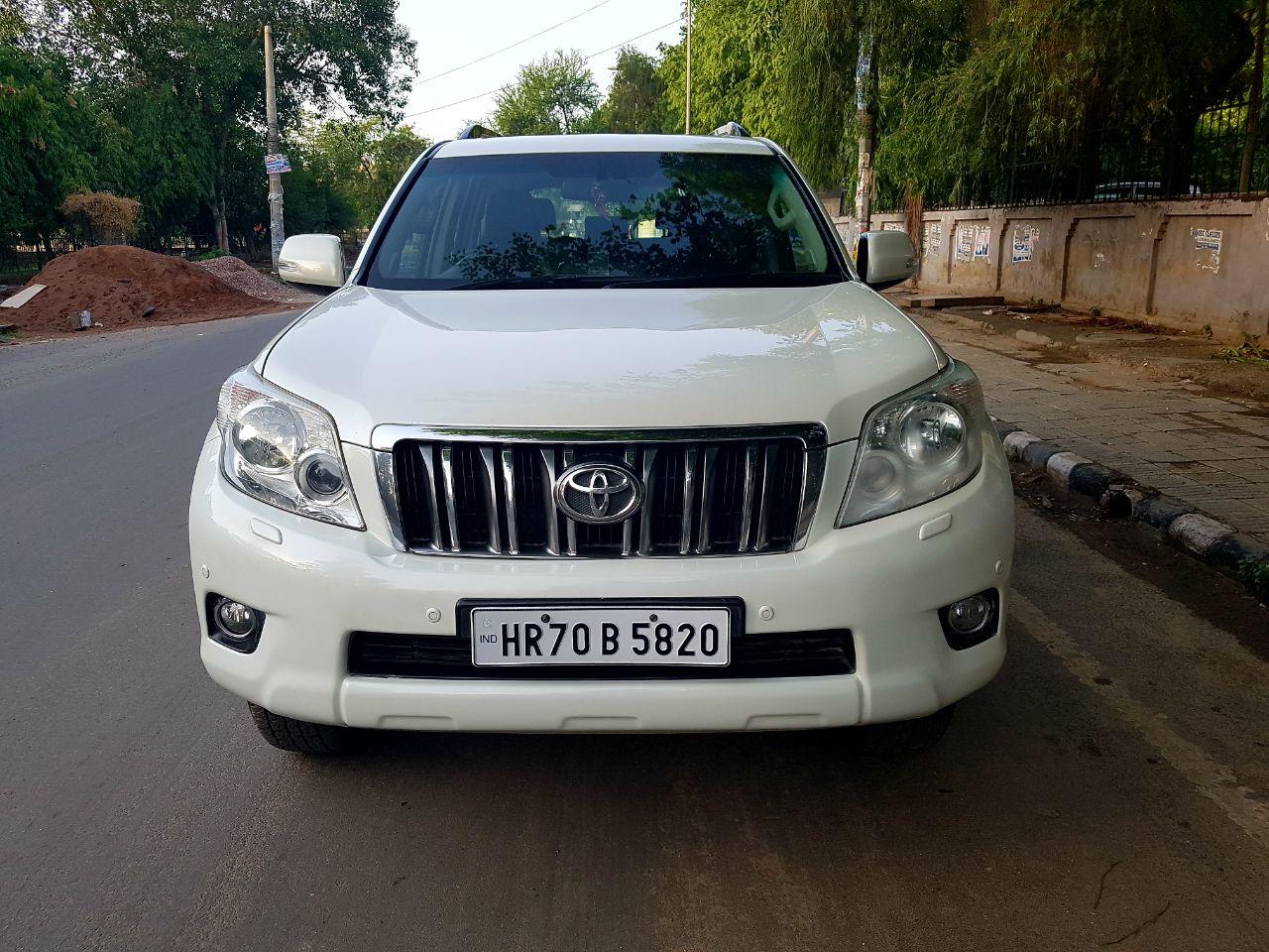 Secondhand Parado car in Dwarka and Uttam Nagar