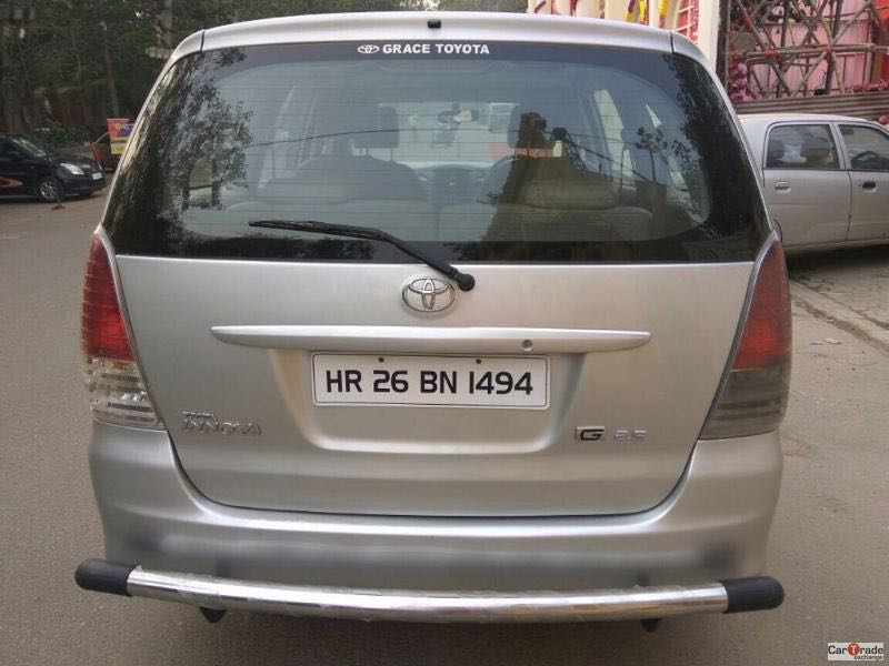 Used Innova-G4 Toyota in Delhi